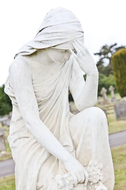 Eashing Cemetery - Memorial